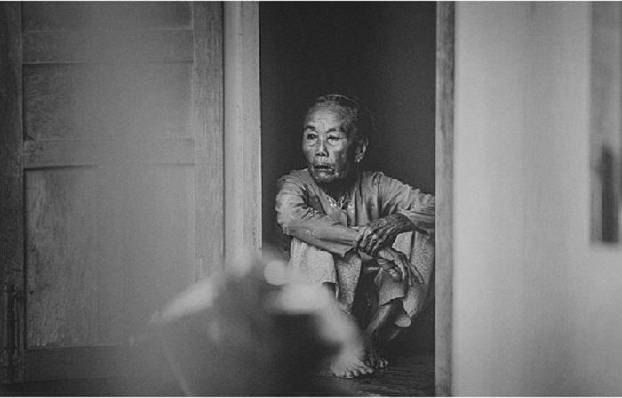 Женщины Вьетнама выполняют очень тяжелую работу: на прокладках дорог, стройках и возделывании рисовых полей.