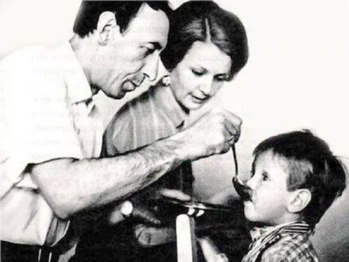 Владимир с сыном Александром и его мамой Валентиной.