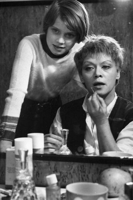 Алиса Бруновна с дочерью Варварой.