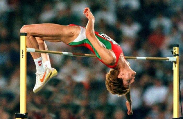 Рекорд в женской высоте - 2,09 метра в 1987 году.