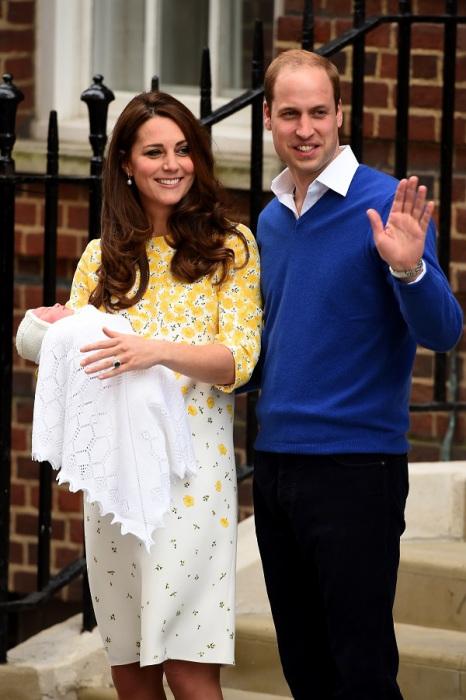 Самая долгожданная малышка 2015 года, в жилах которой течет голубая кровь, — принцесса Шарлотта, появившаяся на свет 2 мая.