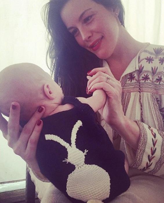 Известная американская киноактриса и модель родила в февряле 2015 года сына Сейлора Джина Гарднера.