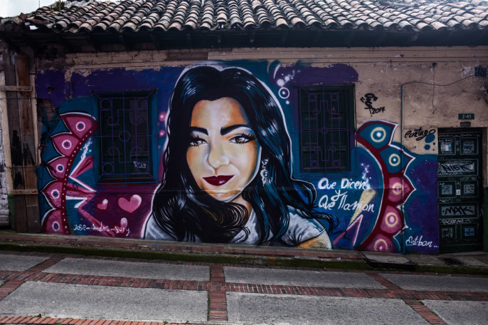В 2011 году власти Колумбии декриминализировали граффити.