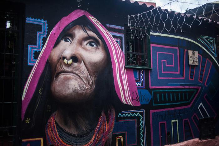 Коренные народы являются частым предметом росписи художников.