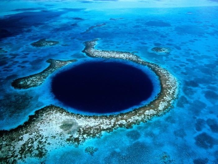 Одно из самых удивительных и опасных мест для подводного плавания.