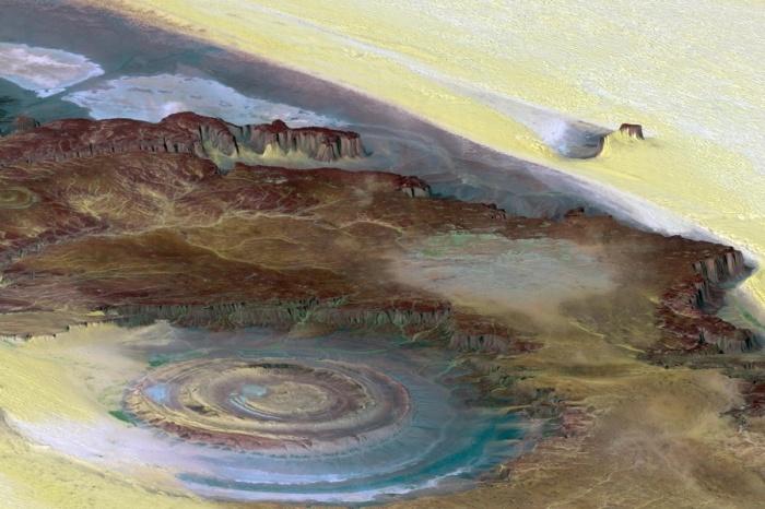 Разноцветный «Глаз Сахары» диаметром 50 километров виден даже из космоса!
