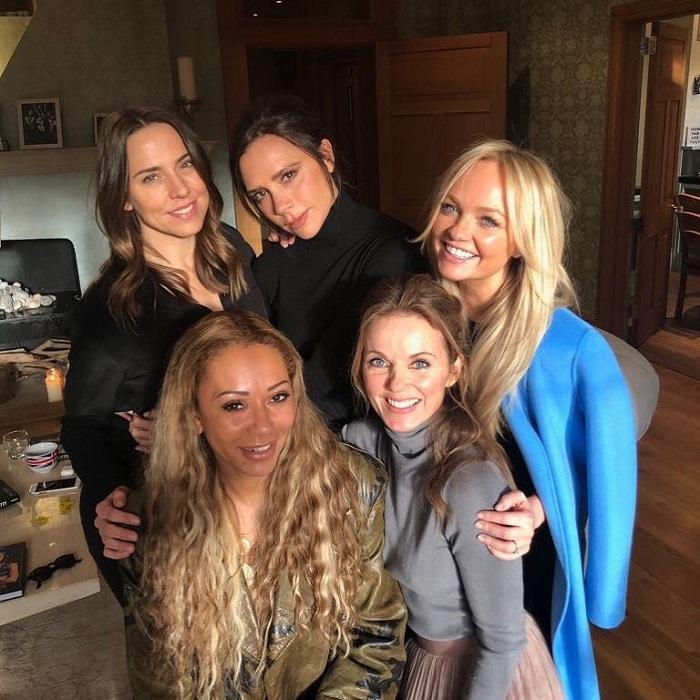 Британская певца вместе с коллегами из некогда популярной женской поп-группы выступит на главной свадьбе года.