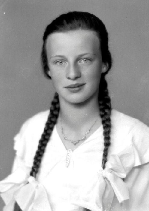 Студийный портрет Маргит Олссон (Margit Olsson).