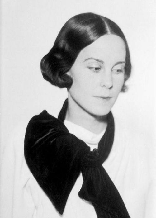 Портрет неизвестной молодой женщины.