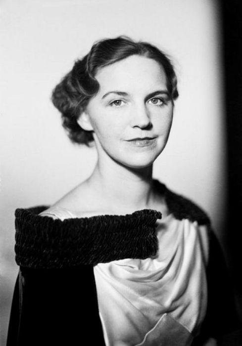 Портрет пианистки Стины Сунделл (Stina Sundell).