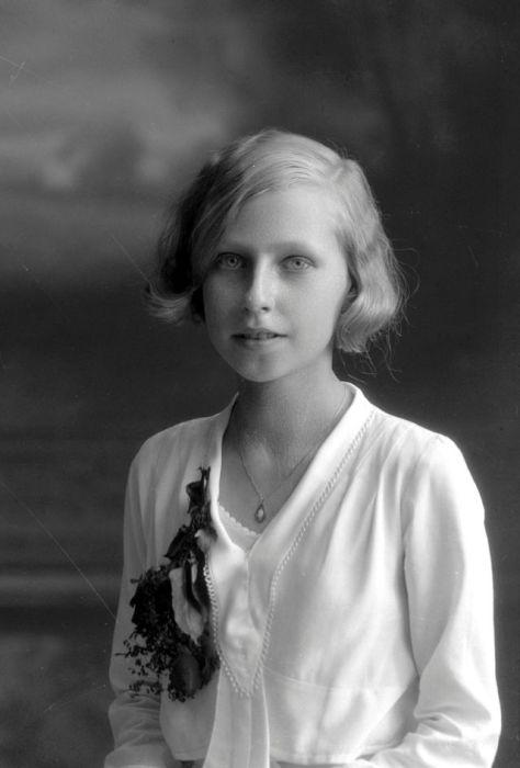 Нежный портрет молодой Эльзы Норен (Else Norеn).
