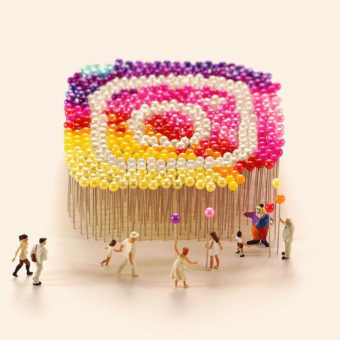 Логотип социальной сети в виде воздушных шаров.
