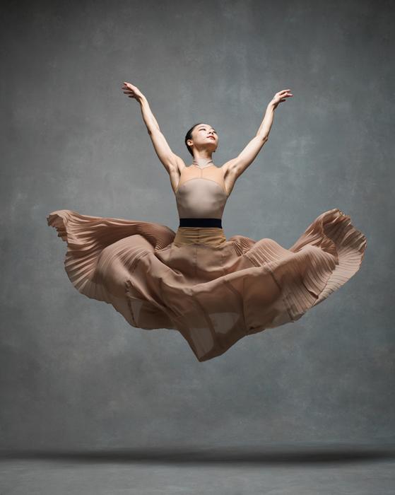 Солист Марта Грэхем Dance Company (Martha Graham Dance Company).