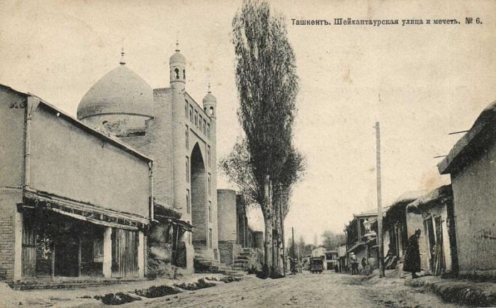Старая городская мечеть Шахан-Таур.