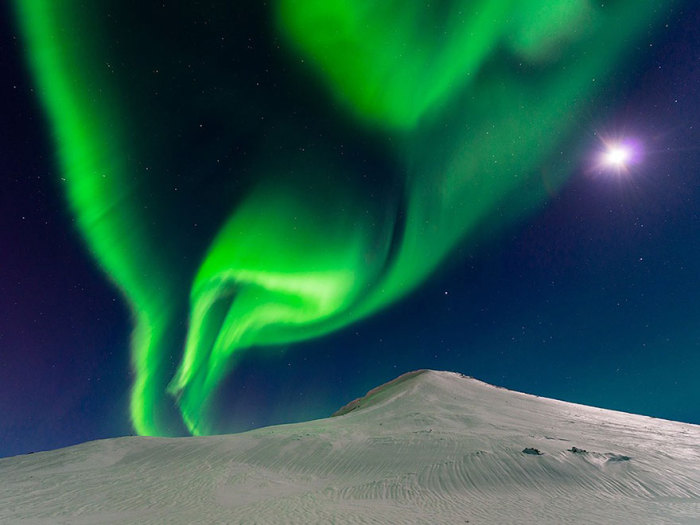 Сияние, Исландия. Фотограф Andrew George.