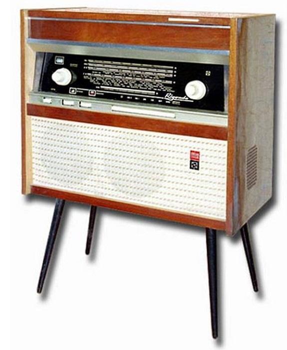 Радиола 1-го класса «Ригонда-Моно», выпускавшаяся на Рижском радиозаводе им А.С.Попова.