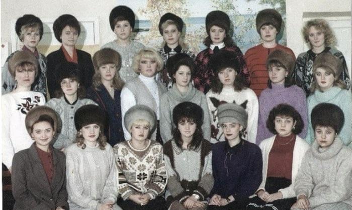 В 80-е годы были безумно популярны норковые шапки, но были далеко не всем по карману т.к. могли стоить почти две среднестатистические зарплаты.