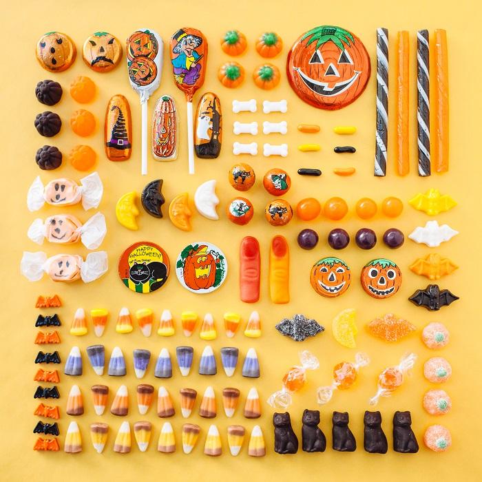 Любимый праздник во всем мире, где-то он признан официально, а где-то - нет, но дети любят праздник за легальный доступ к сладостям.