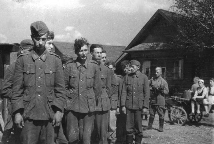 Военнопленные из немецкой армии, 1942 год.