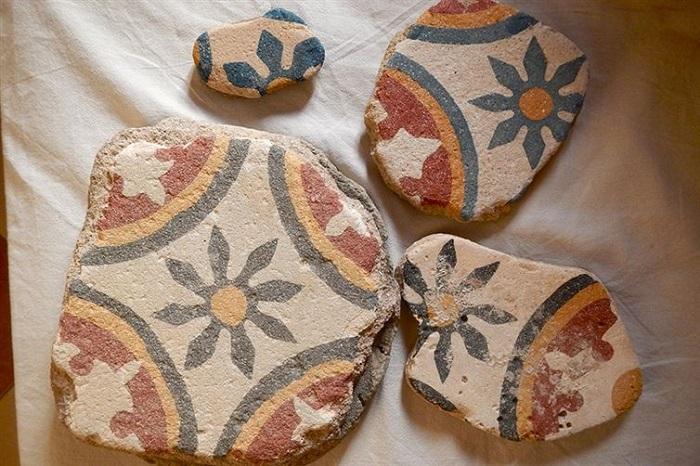 Камни были найдены в Марокко.