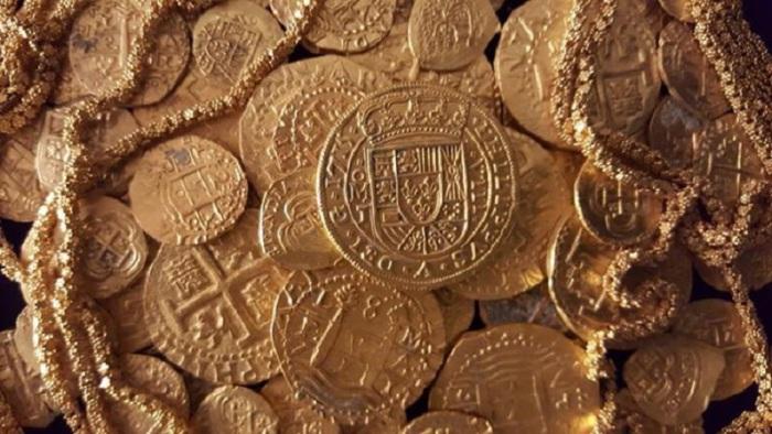 Один миллион долларов золотом был обнаружен всего в пятнадцати футах под водой у берегов Флориды.