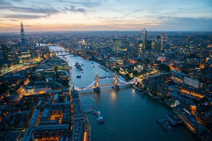Самый богатый и самый интернациональный город в мире.