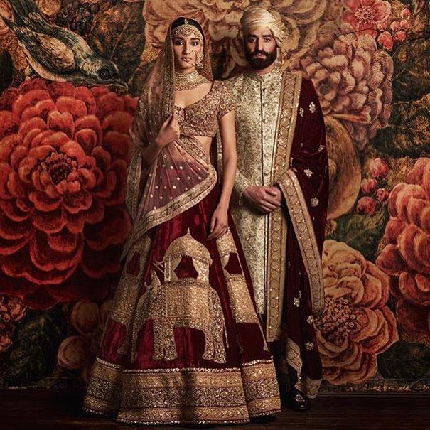 Классический индийский свадебный наряд невесты должен быть красного цвета.