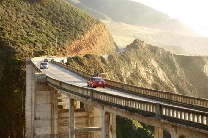 Тихоокеанское шоссе - самая красивая дорога страны.