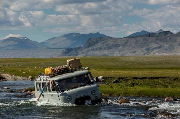 Национальный парк, расположен на территории аймака Баян-Улгий в западной части Монголии.