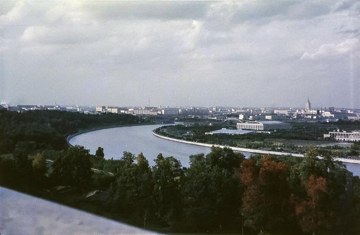 Великолепный вид на город с Ленинских гор.