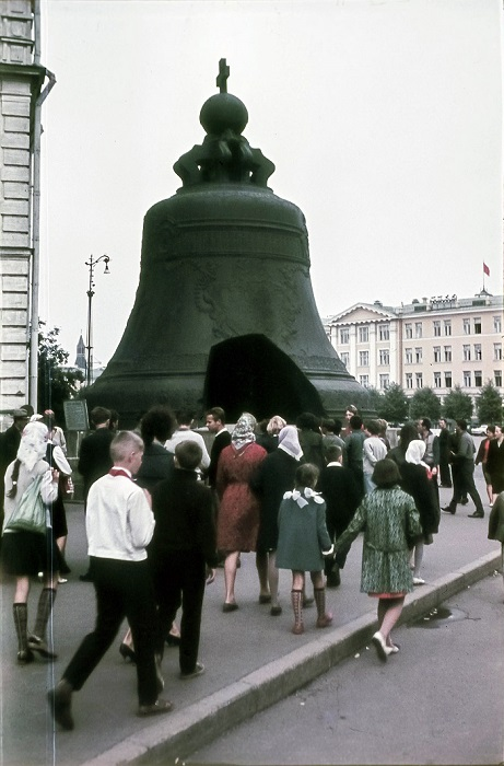 Уникальный колокол был отлит по приказу императрицы Анны Иоанновны в 1730 году на долгую  память потомкам о её царствовании.