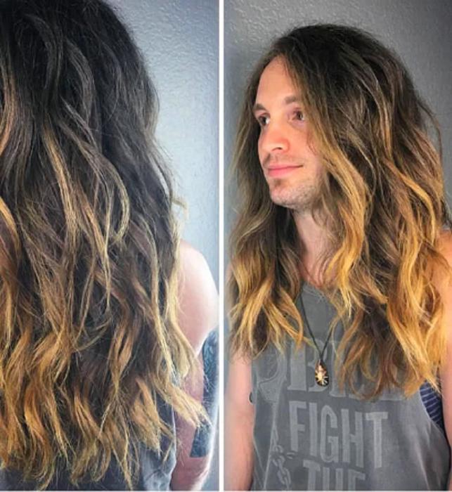 После визита в парикмахерскую обязательно необходимо продемонстрировать новый цвет волос.