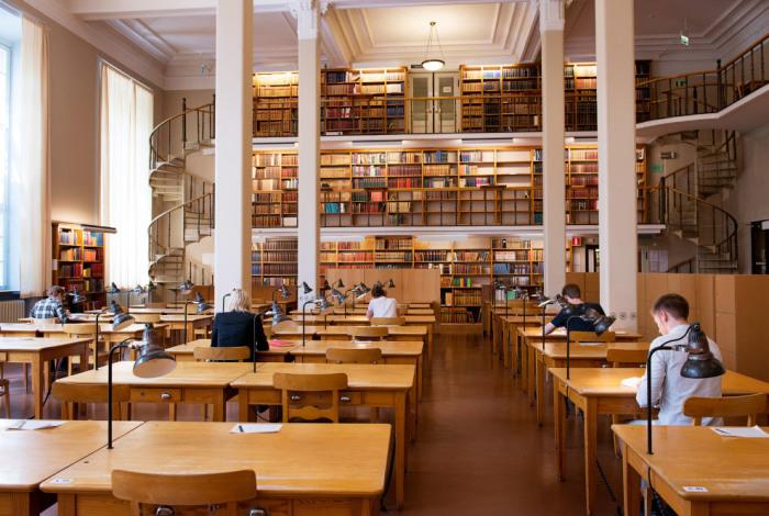 Уппсальский университет славится своей огромной библиотекой «Каролина Редивива».