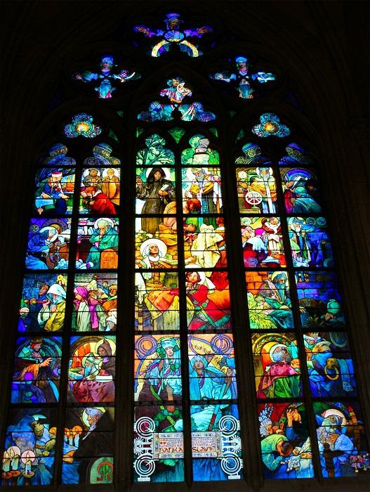 Данный витраж украшает католический Собор Святого Вита в Праге. Автор Альфонсо Муха, которого считают одним из величайших мастеров стиля арт-нуво.