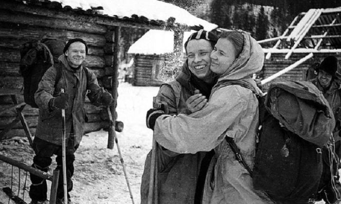 Роковой турпоход группы Дятлова был посвящен 21-ому съезду КПСС, в планах было пройти на лыжах сложнейший путь в 350 км, который должен был занять около 22 дней.