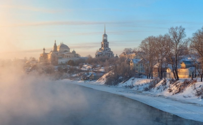 Зимний пейзаж древнего русского города Торжок.