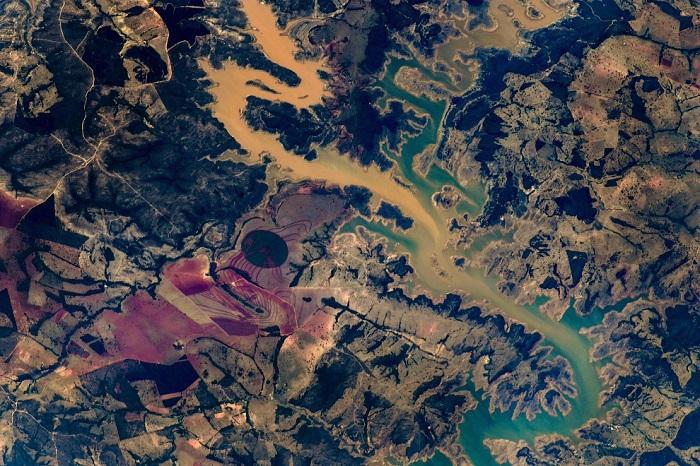 Удивительный вид на Землю из космоса.