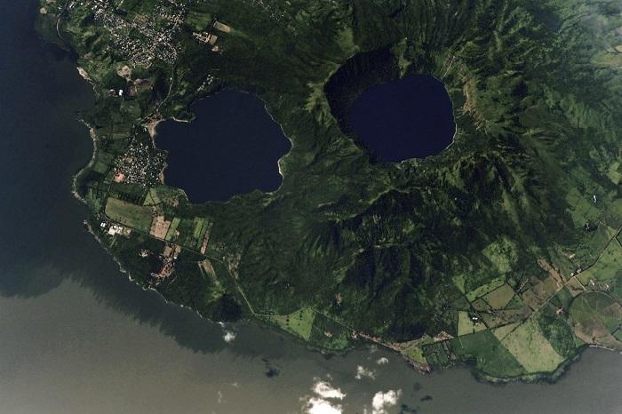 Озеро Манагуа и два маленькие водоема – Хилоа и Лагуна де Апойо.