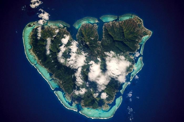 Остров Муреа, благословенный самой природой.
