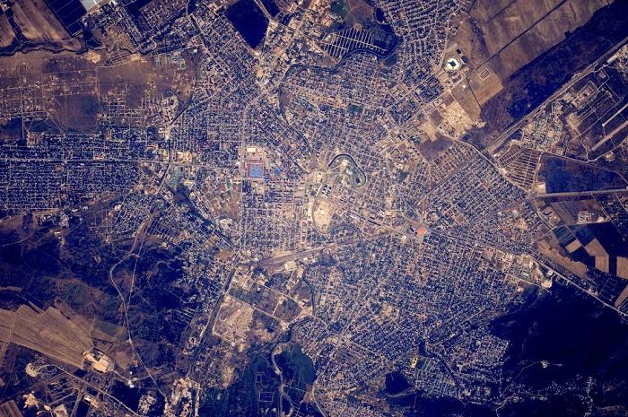 Грозный является одним из самых красивых и благоустроенных городов Северного Кавказа.