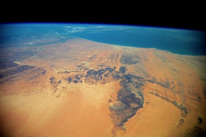 Для космонавтов на орбите геологическое образование Ришат служило ориентиром.