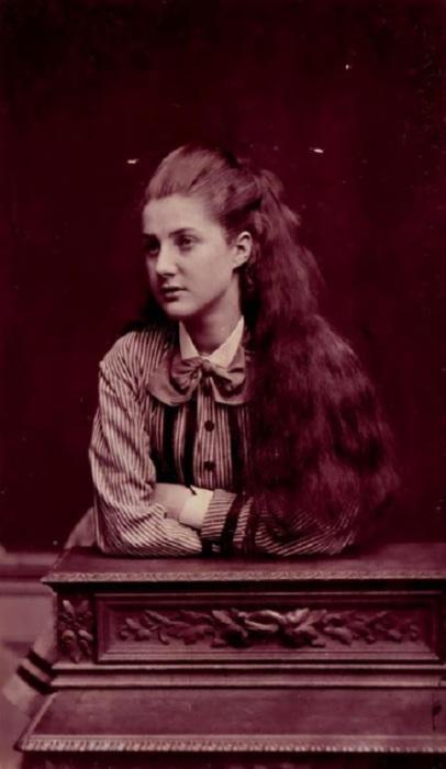 Юная англичанка, 1880-е годы.