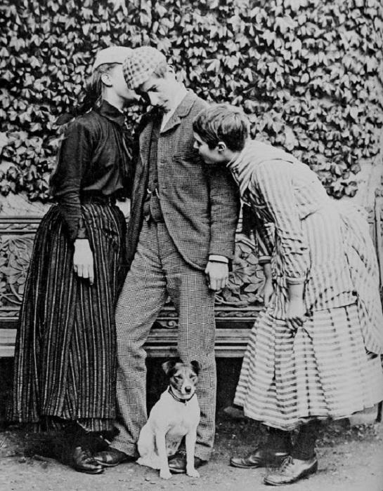 Трое британских подростков из среднего класса, 1890 год.