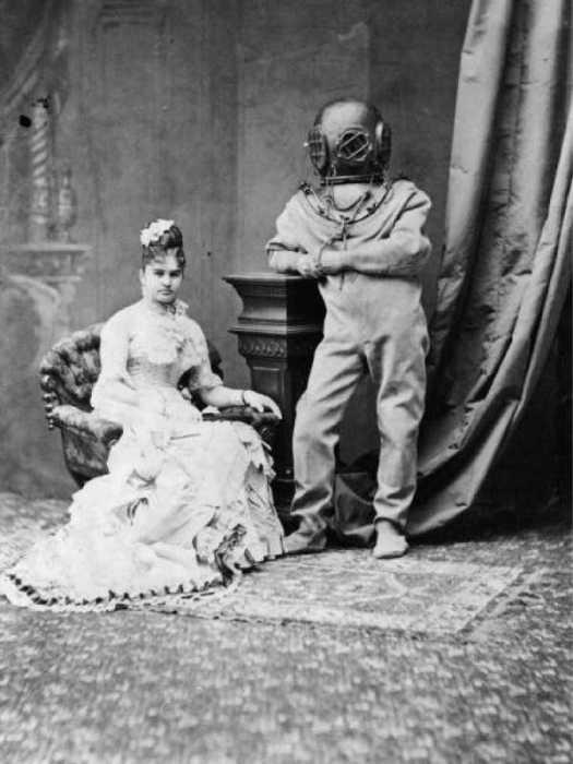 Муж дамы был по профессии водолазом или он прикольнуся.