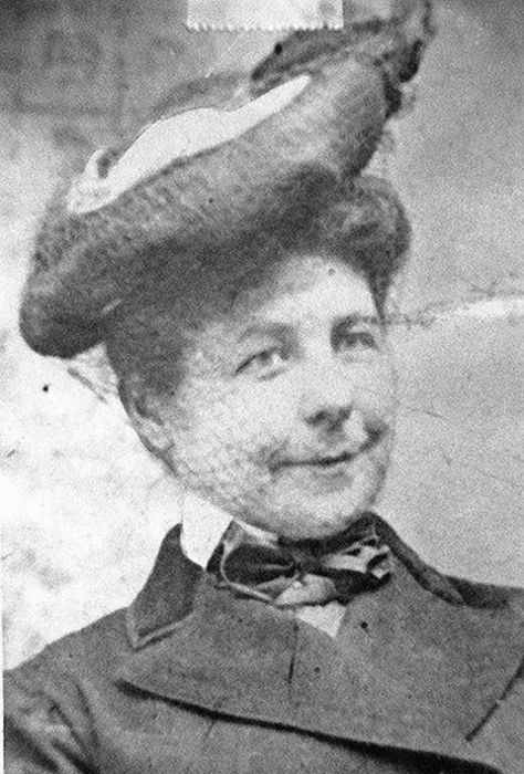 В 1903 году первые дворники для автомобиля изобрела Мэри Андерсон.