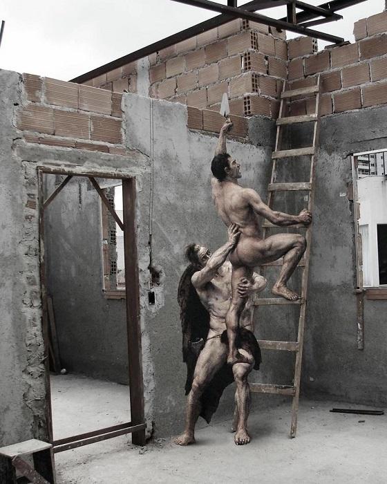 Для коллажа использована картина «Разграбление Рима варварами» Шотландского художника Джозефа Ноэля Сильвестра (Josephe Noel Sylvestre).