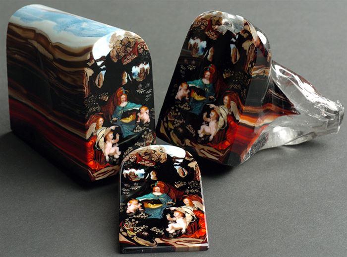 Каждый цвет был образован отдельным слоем материала для создания этой удивительной «буханки», которую как не разрежь — получается произведение искусства.