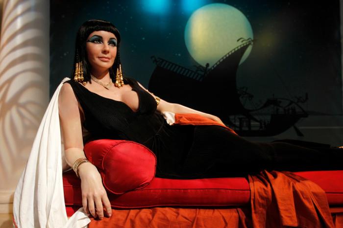 Восковая копия англо-американской актрисы представлена в музее в роли прекрасной царицы Египта.
