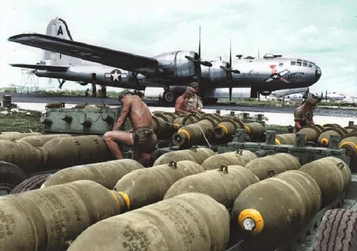 Американский стратегический бомбардировщик, разработанный в начале 1940-х годов.