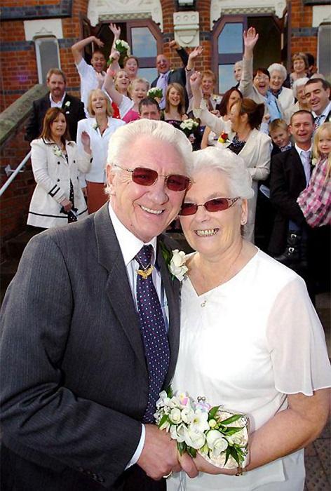 Пара, узаконившая свои отношения, после 53 лет помолвки.